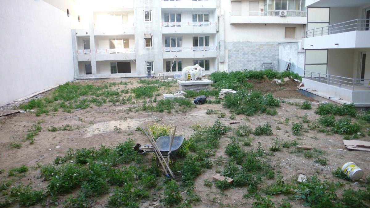 architecte paysagiste aix en provence jardin int rieur d 39 immeuble. Black Bedroom Furniture Sets. Home Design Ideas
