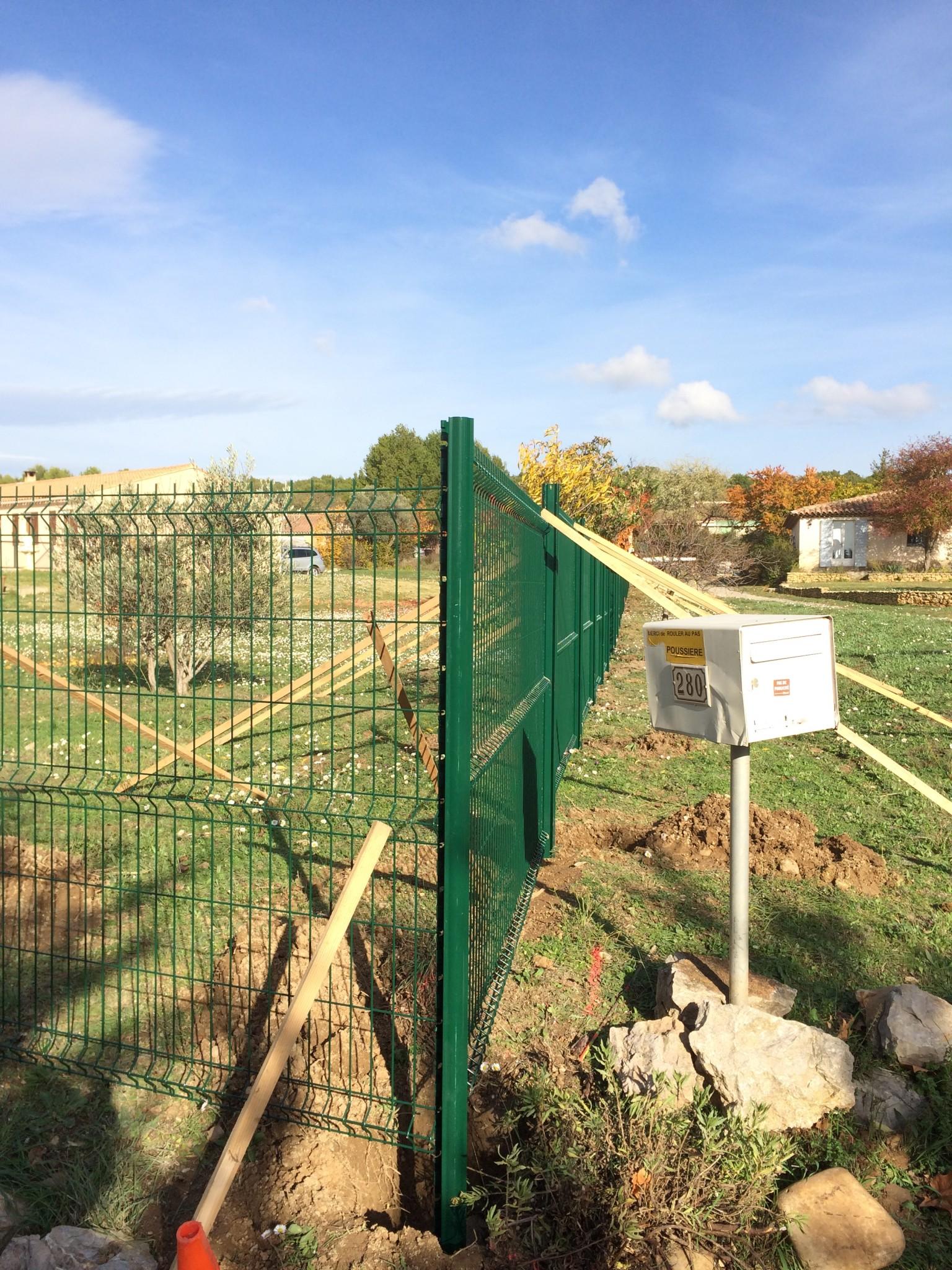 Pose de cloture avignon for Entretien jardin avignon