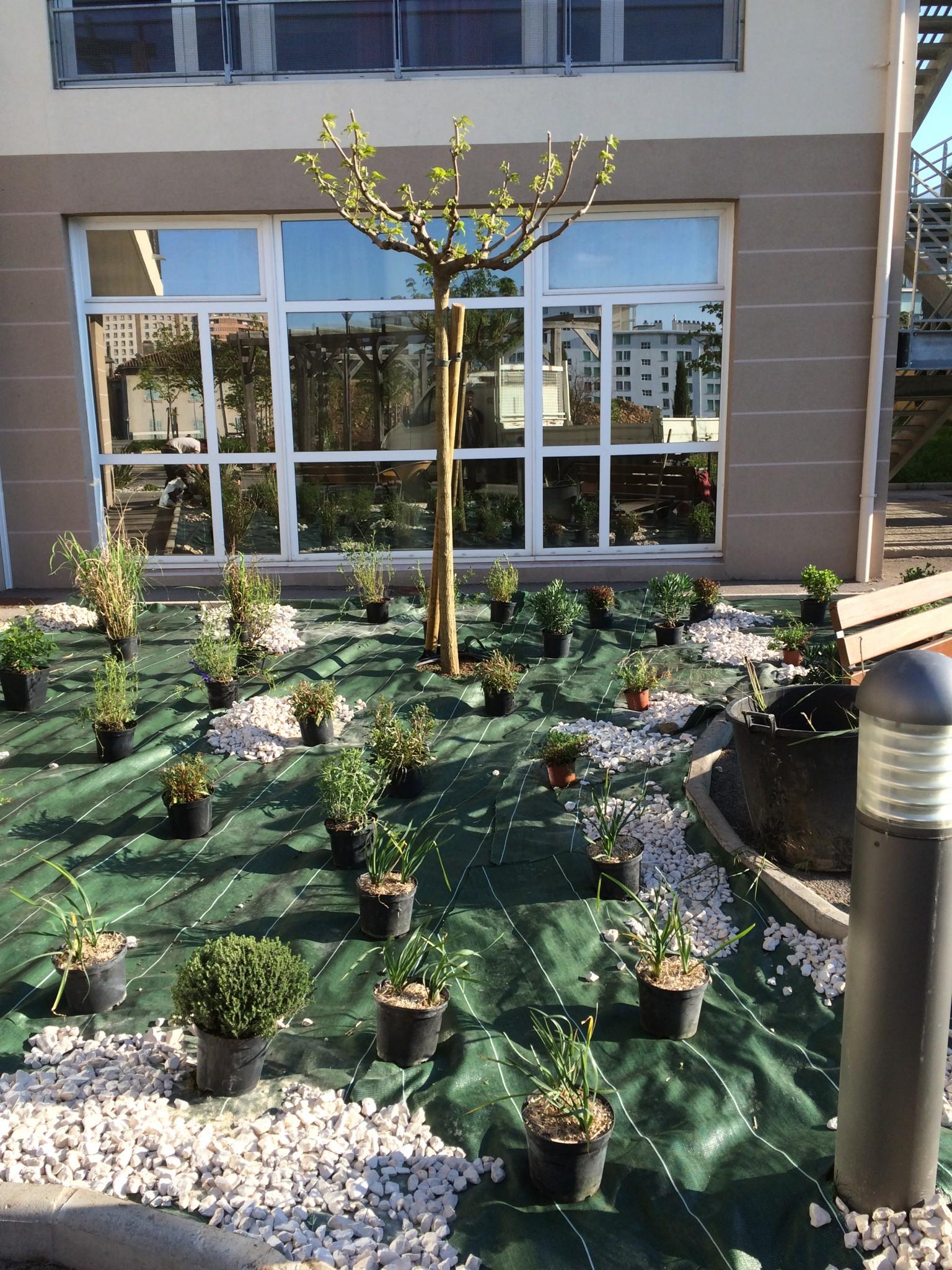 Jardinier paysagiste sur marseille for Jardins de jardiniers