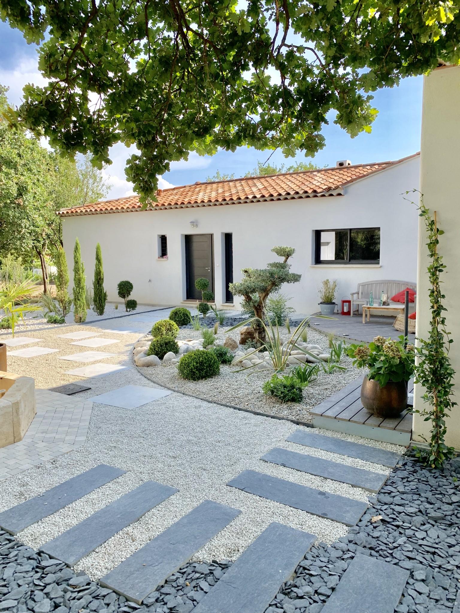 un jardin zen et moderne